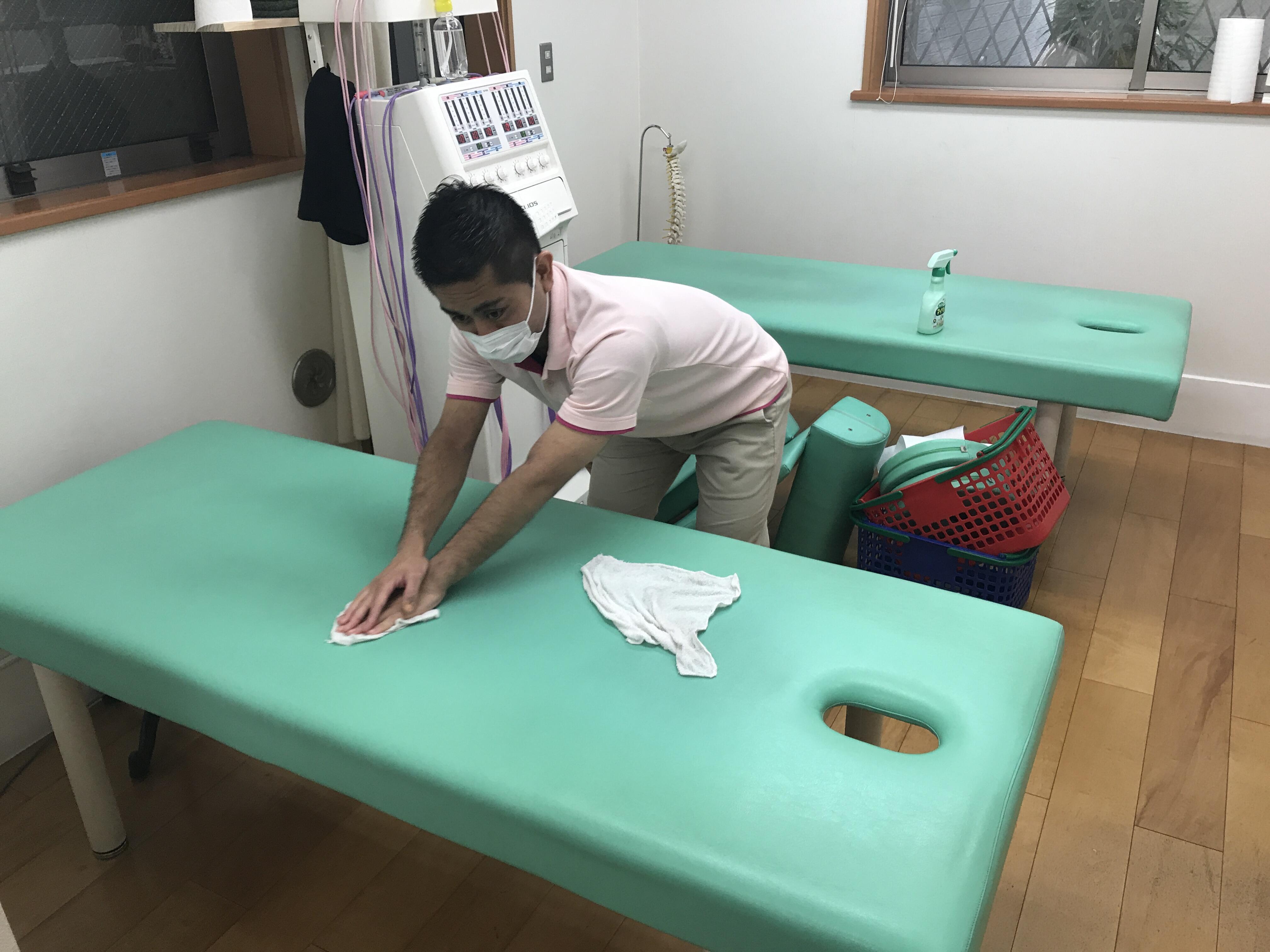 治療ベッドのメンテナンス